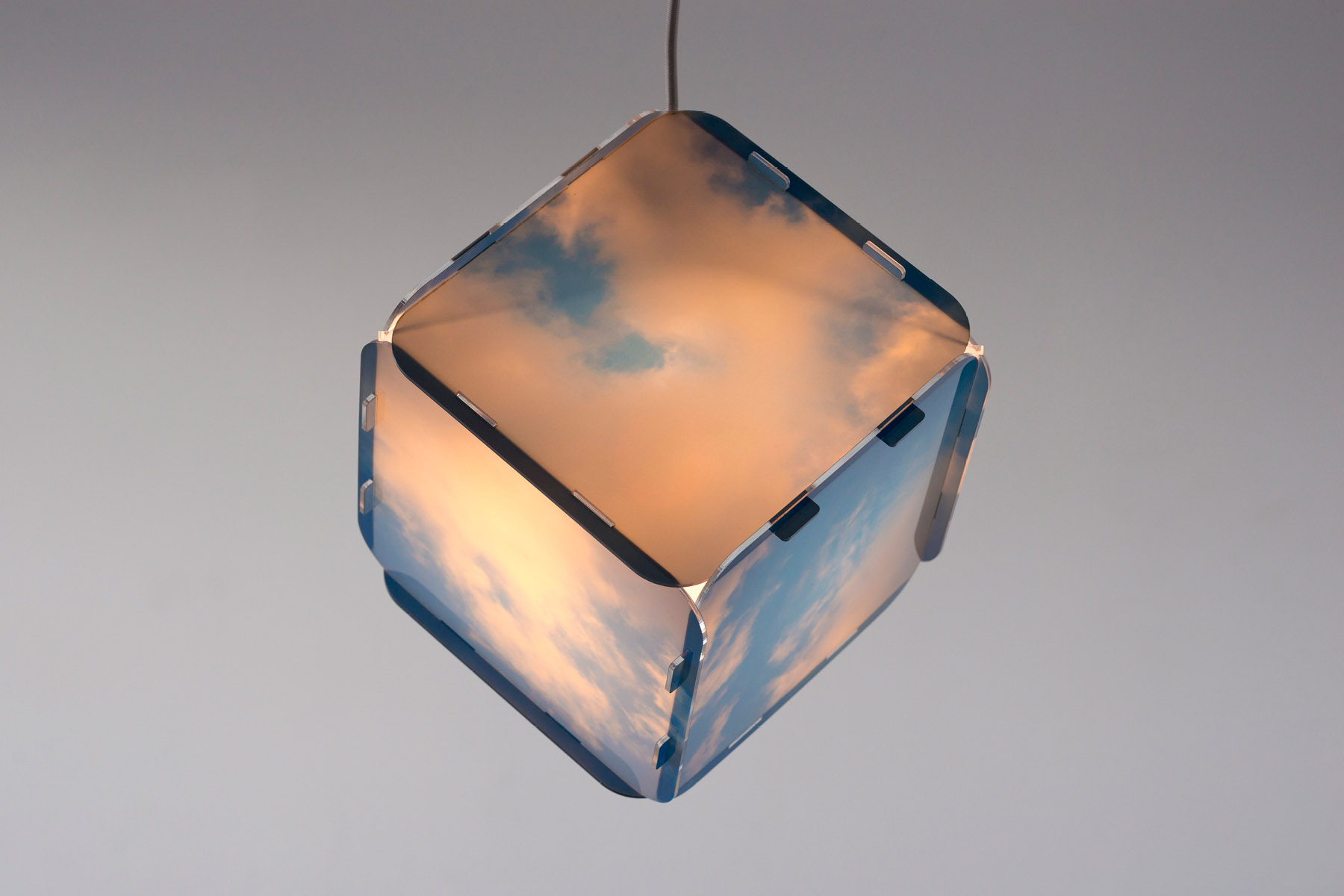 Printed cubic lamp, suspended