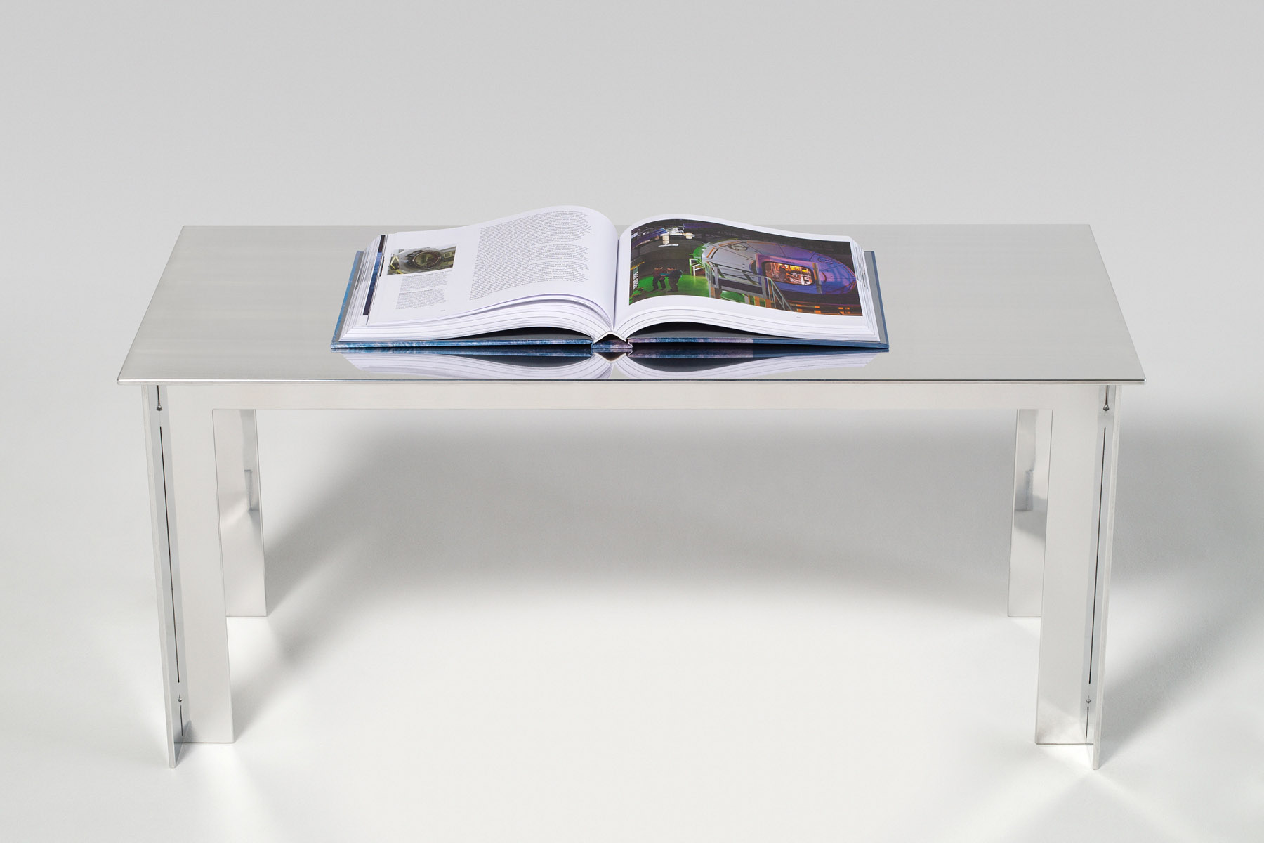 Table basse en aluminium