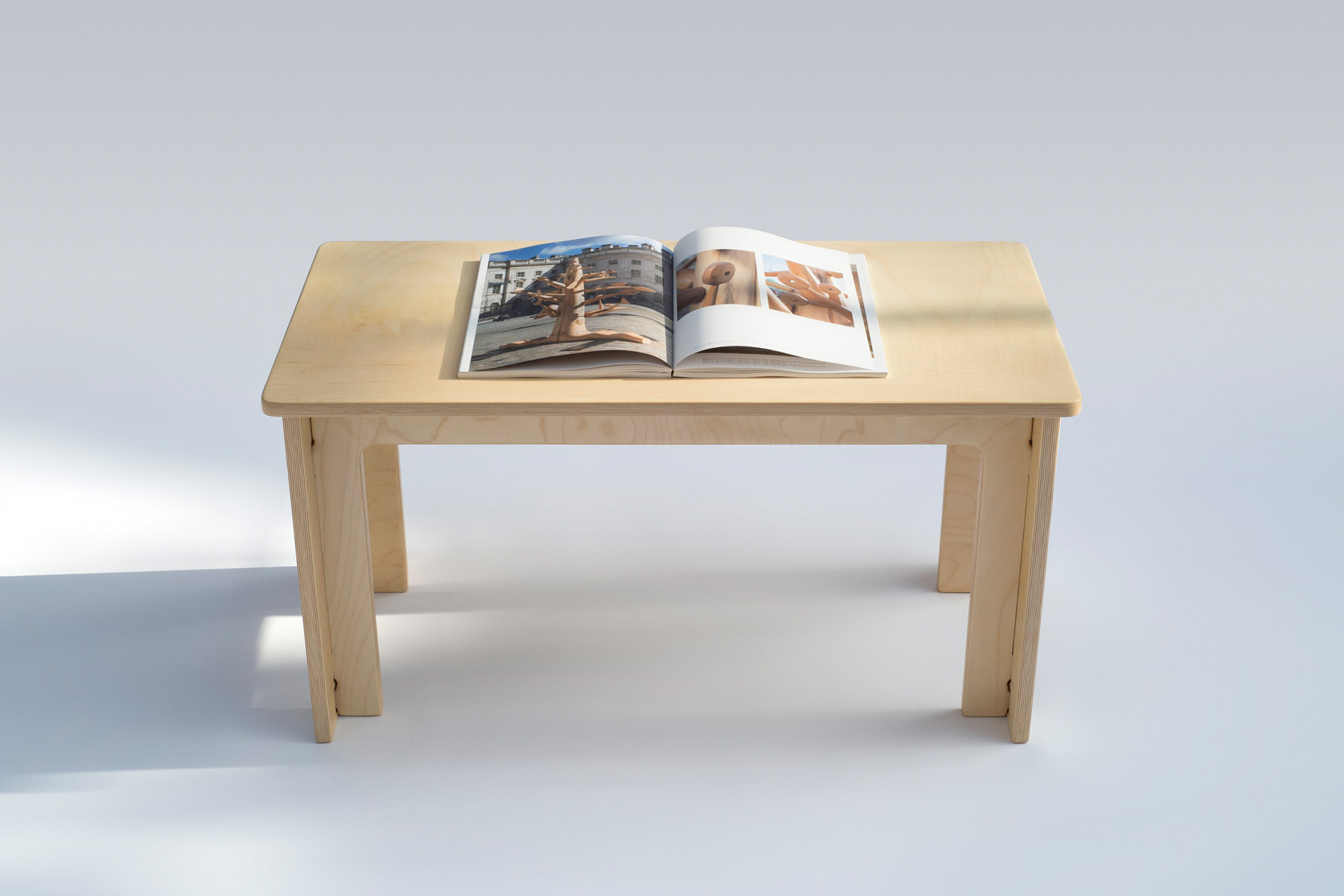 Maple coffee table without fasteners
