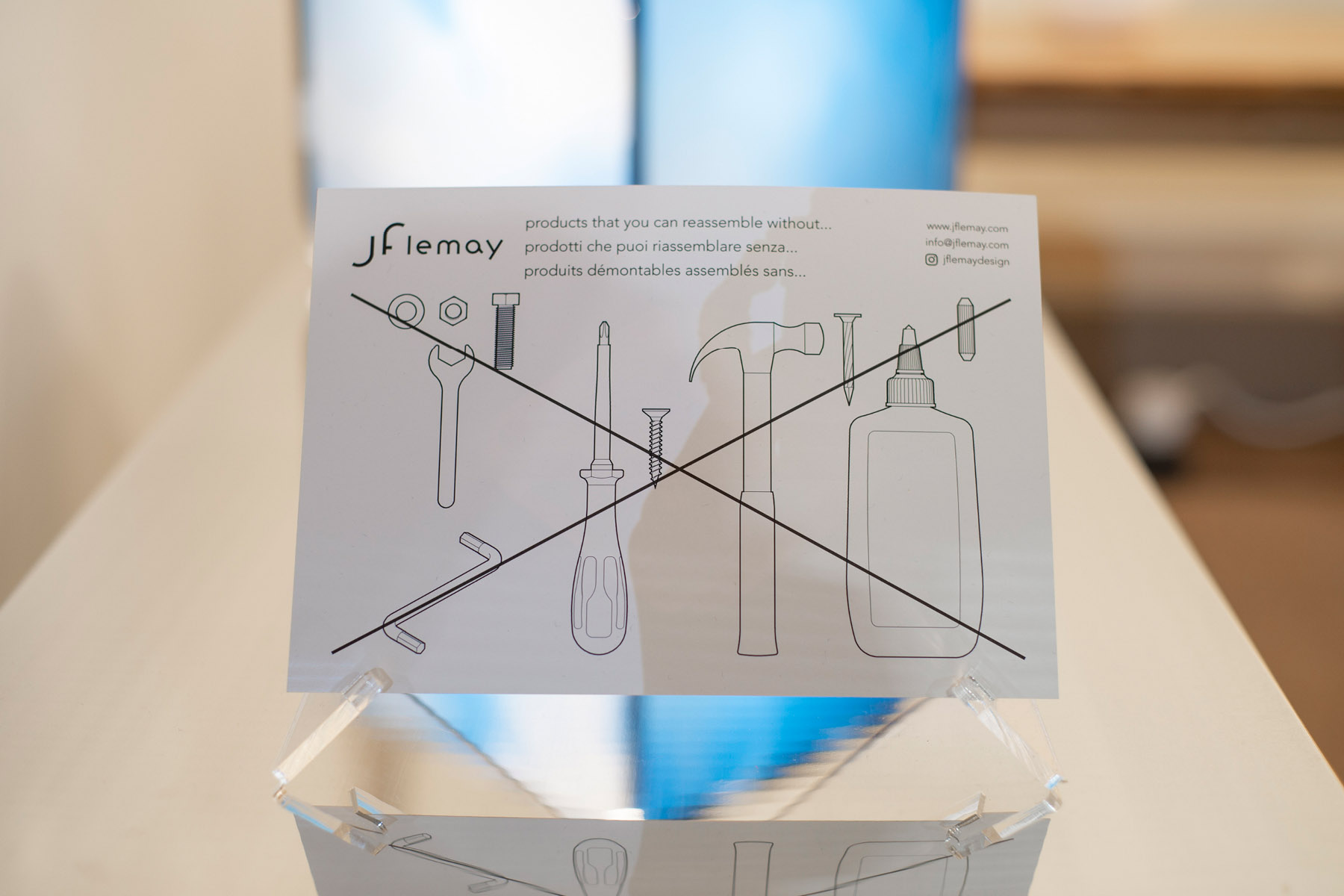 """A hand-out at Jflemay's kiosk showing the concept of """"no fasteners, no tools"""""""
