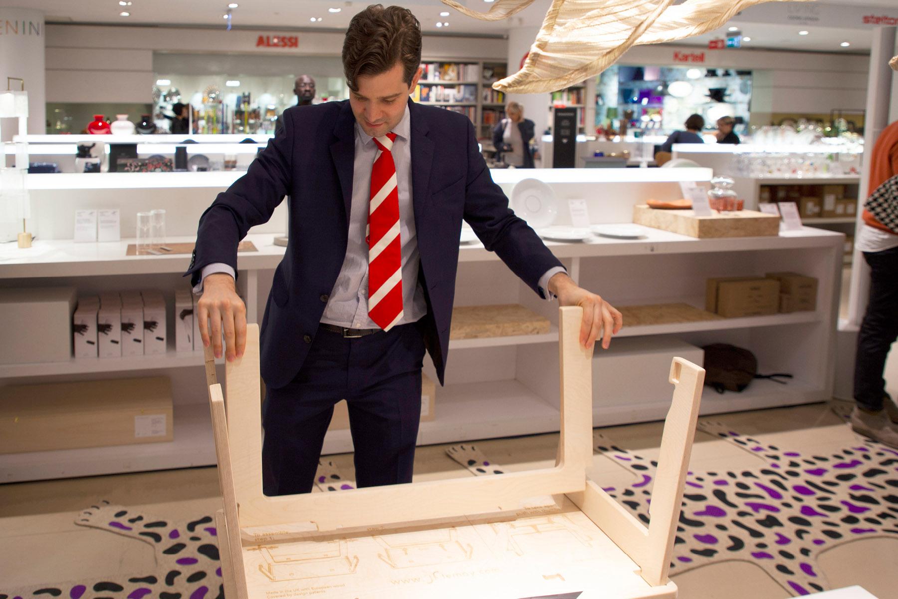 Jean-François assembling a coffee table